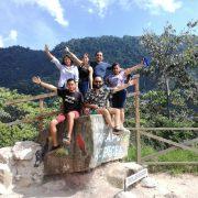 Turistas en la Entrada a las Cataratas de Ahuashiyacu