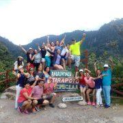 Turistas Felices Cataratas de Ahuashiyacu